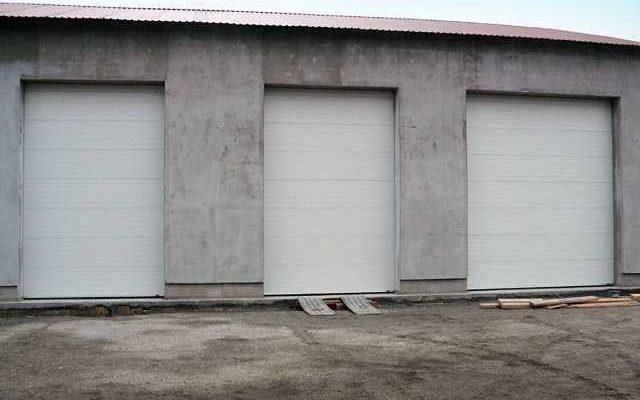 ipari szekcionált garázskapu-01