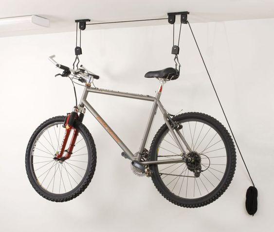 kerékpár mennyezetre akasztása a fregoli módszerrel